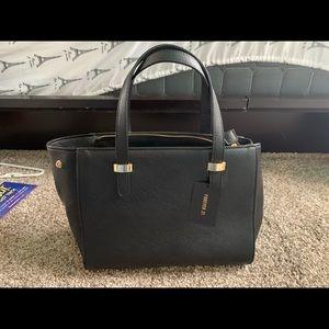 black handbag from forever 21